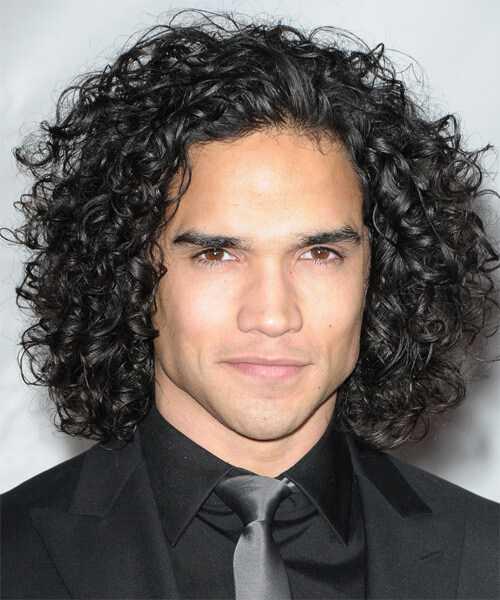 mens langen lockigen Haar