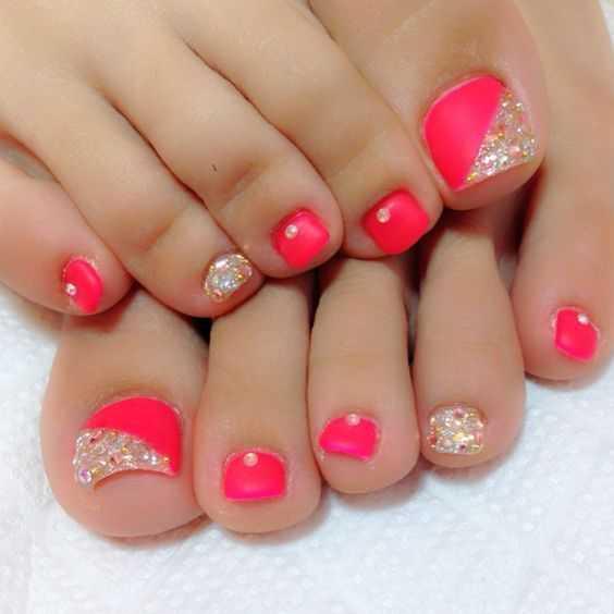-Rhinestones-Toenails.jpg Coral Pink Strass Fußnägel