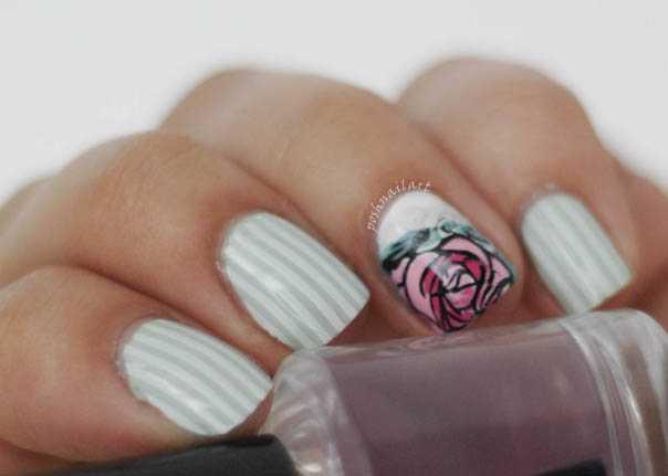 Frühlings-Maniküre | Streifen und Rosen