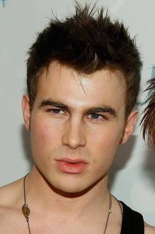 Haircuts für runde Gesichtsformen Männer