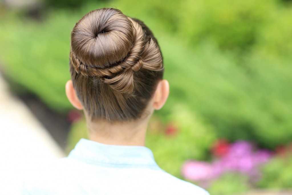 The Bow Bun | Updo Frisuren