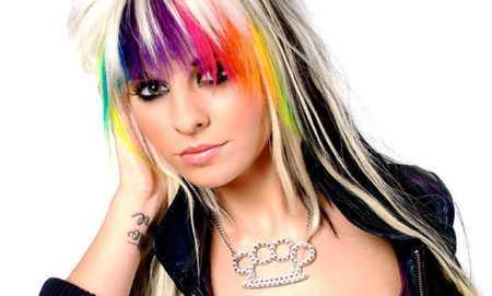 Rainbow-Highlights für Layered Haar für das Jahr 2016