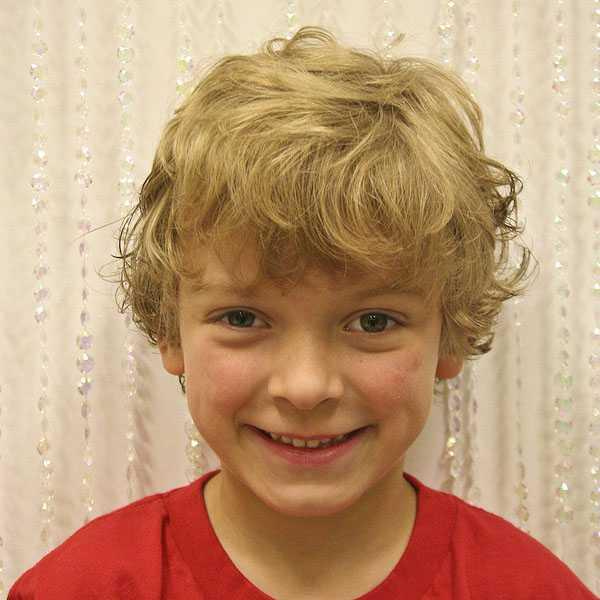 Shaggy Frisur für Jungen