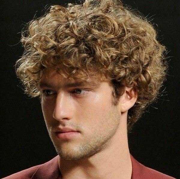 Casual geschweiften Frisur für Männer
