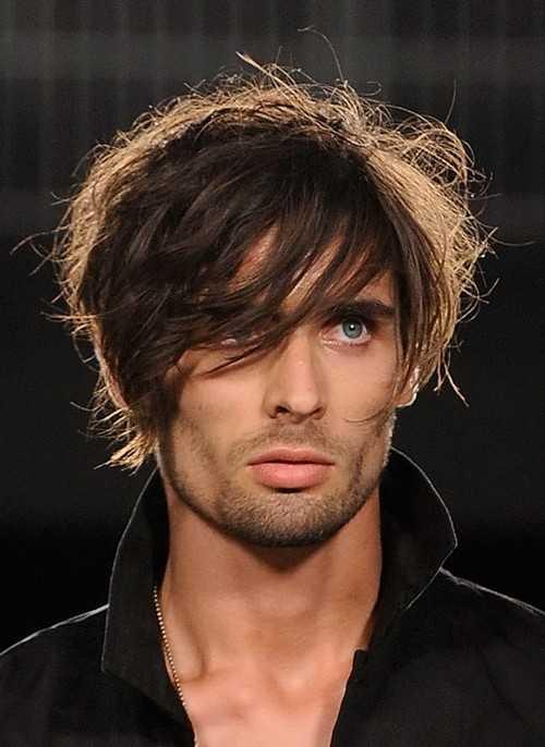 gefiederten Frisur für Männer 2016