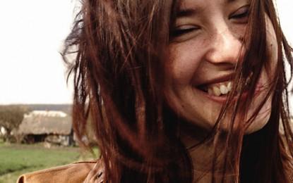 Braune Haare – Pflegen, Färben, Schminktipps