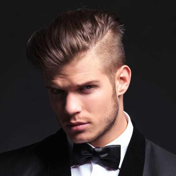 Krauses und stilvolle Frisur