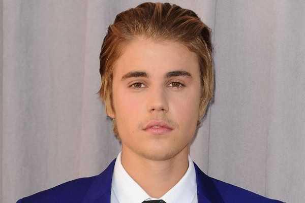 Justin Bieber Zurückgekämmt