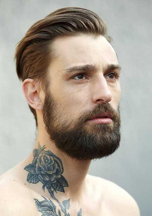 Herren Frisuren mit Bart zurückgekämmt