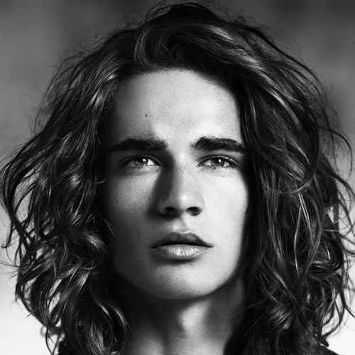 Lange Frisuren für Männer