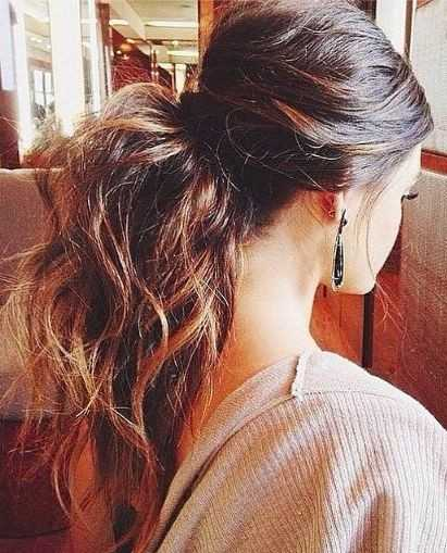 Easy-Ponytail-Alltags-Frisuren für langes Haar