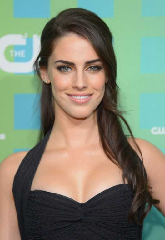Jessica Lowndes Half Up Half Down Frisur für Herbst / Getty-Bilder