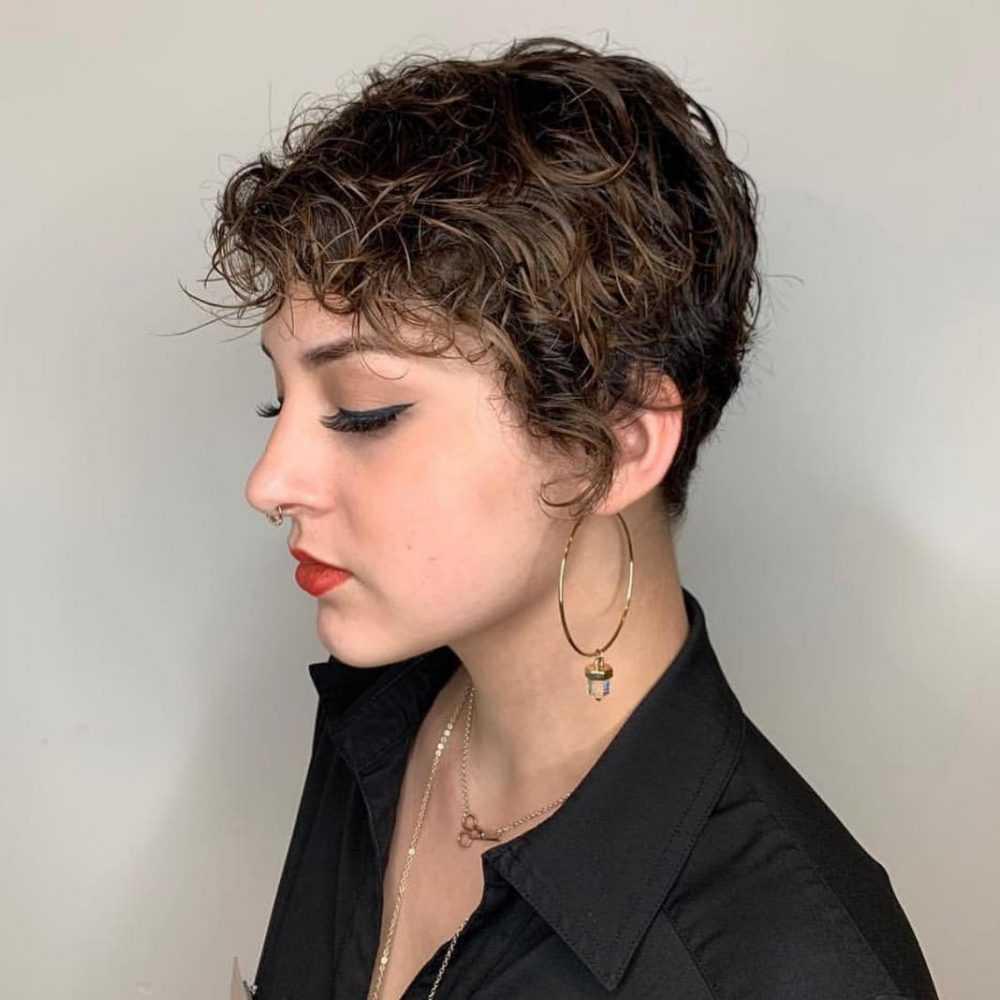 37 Susse Und Einfache Frisuren Fur Kurzes Lockiges Haar 2019